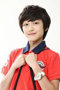 250px-Kang_Chan-Hee-p1